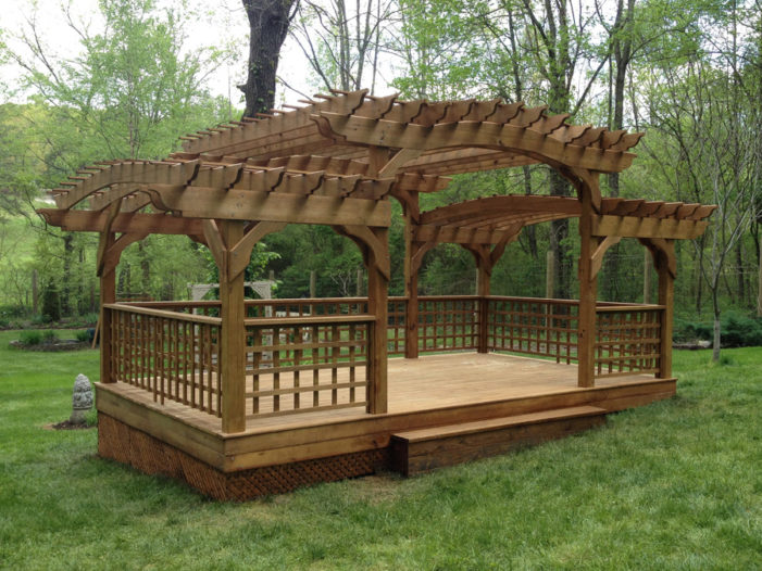 split level pergola with floor and roof