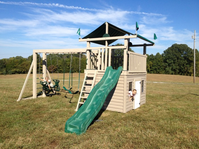 #325 Jill's Clubhouse playset